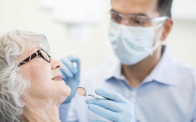 Managing aging oral health